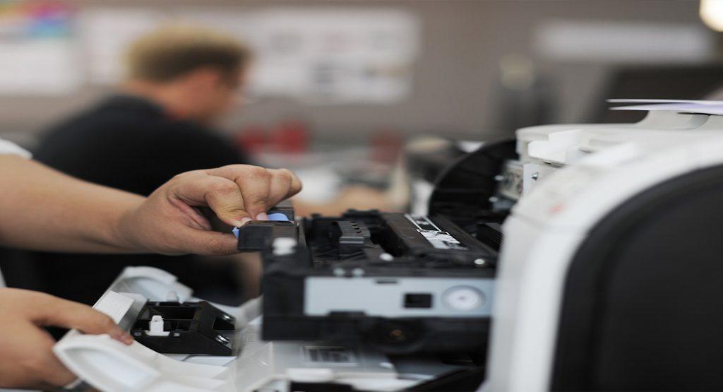 A importância de um parque de impressão atualizado. Otimização de custos de Impressão. Modernizar seus equipamentos de impressão. Se você lida com impressoras já há algum tempo, então, provavelmente, deve lidar com dificuldades que se naturalizaram em sua rotina.